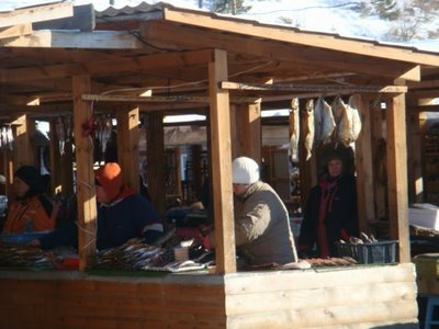 Omul-Verkaufsstand Listvjanka am Baikalsee - Russland