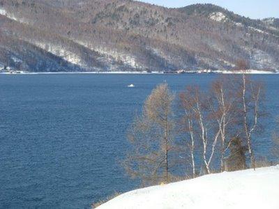 Listvjanka am Baikalsee - Schamanenstein in der Angara - Russland