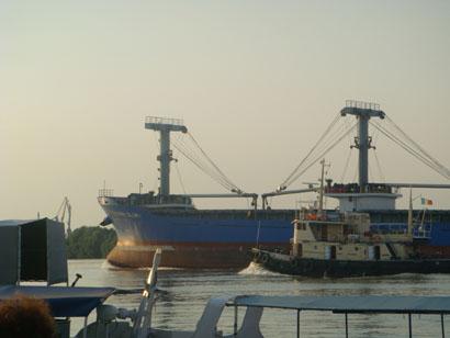Hochseeschiff bei Tulcea - Rumänien