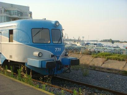 Triebwagen am Bahnhof Tulcea Oras