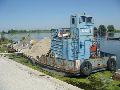 Baustellenschiff in Mila 23 im Donaudelta - Rumänien