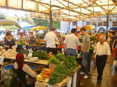 Markt in Tulcea nahe Sf. Gheorghe Kirche, Donaudelta, Rumänien