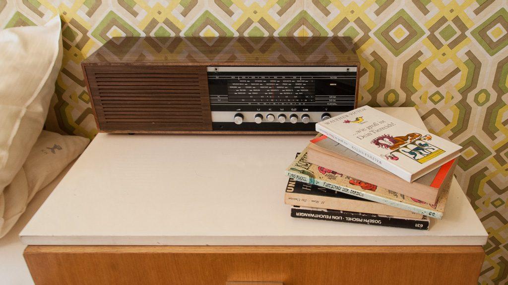 Radiogerät im DDR-Hotel