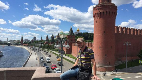 Gerhard Liebenberger (Andersreisender) vor dem Kreml