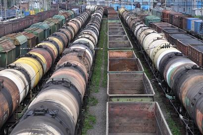 Endlos lang: Güterzüge in Sljudjanka