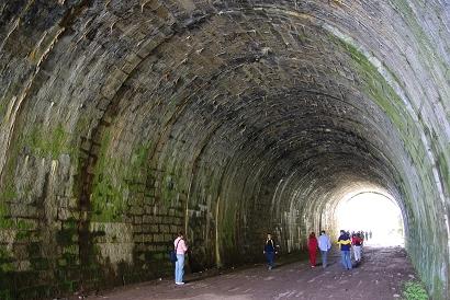 Tunnel an der Circum-Baikal-Bahn - Bild: Widmer