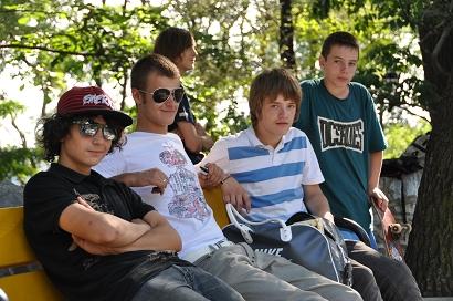 Coole Kids im Park