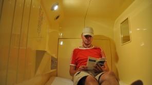 Verrückt: Eine Nacht im Kapselhotel inTokio