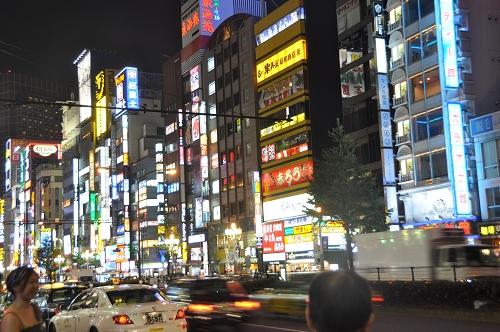 Shinjuku Kabuki-cho bei Nacht