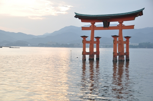 Bild: Das Torii in Miyajima - Nähe Hiroshima