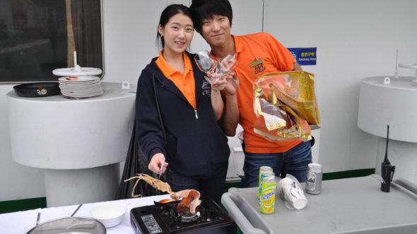 Koreanische Snacks auf der DBS-Fähre