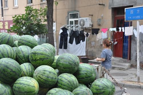 Qingdao: Melonen am Markt - China