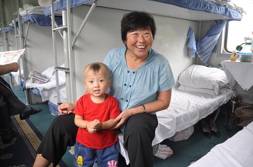 Baby im Schlafwagen - China