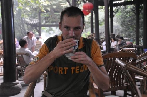 Gerhard beim Tee