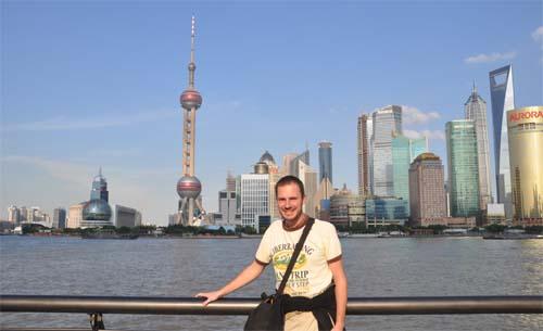 Gerhard wieder gesund und bei herrlichem Wetter in Shanghai
