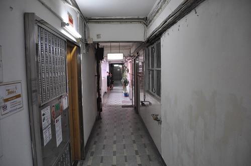 Bild: Gang im Wohnblock Argylestreet in Hongkong