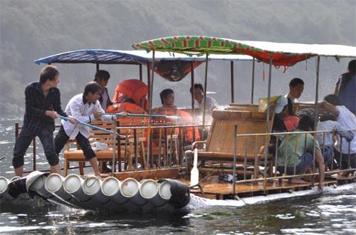 Bild: Bambusboote am Fluss Li Jang - Xingping