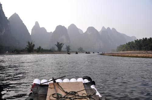 Bild: Fluss Li Jang vom Bambusboot in Xingping - China