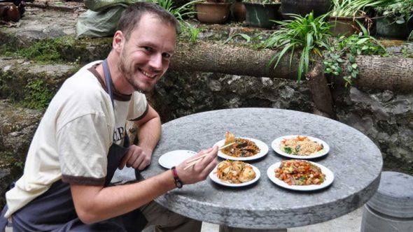 Gerhard Liebenberger beim chinesisch essen