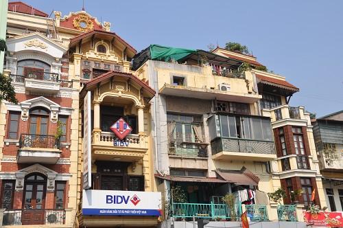 Bild: Häuserfront in Hanoi - Vietnam