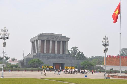 Bild: Ho Chi Minh Mausoleum in Hanoi