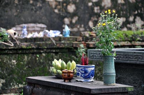 Bild: Opferstelle im Thai-To-Mieu-Tempelkomplex in der Kaiserstadt Hue