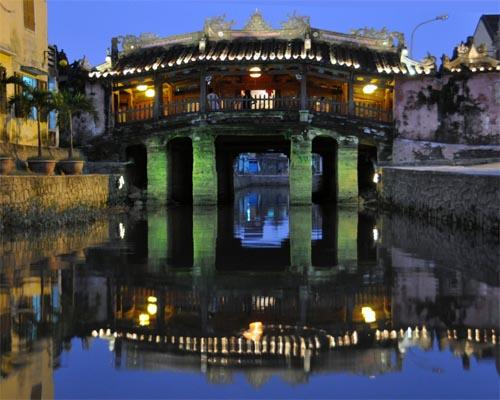 Bild: Japanische Brücke in Hoi An