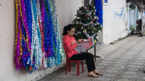 Geschäft mit Schmuck zu Weihnachten in Vietnam