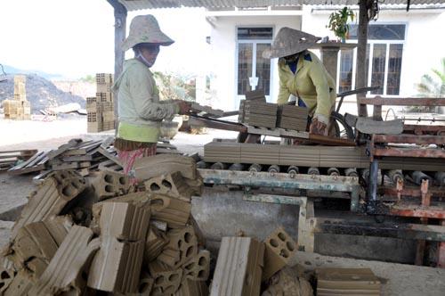 Bild: Ziegelproduktion in Vietnam