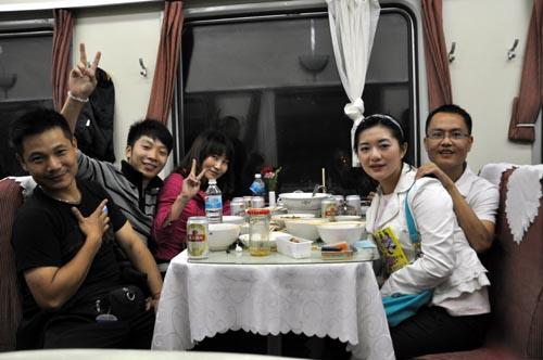 Bild: Spaß im Speisewagen in China