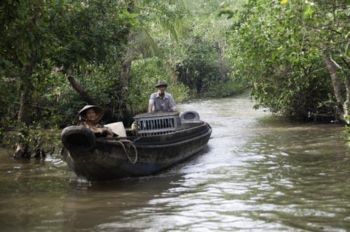 Bild: Boot auf Kanal im Mekong-Delta