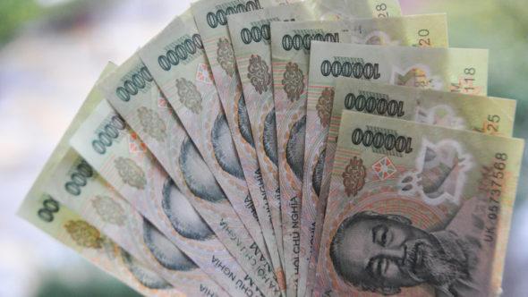 Bargeld in Vietnam: 100000 Vietnamesische Dong