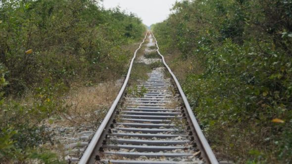 Bahngleise in Kambodscha im Jahr 2011