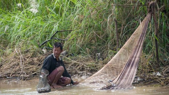 Fischer in Kambodscha am Sangker