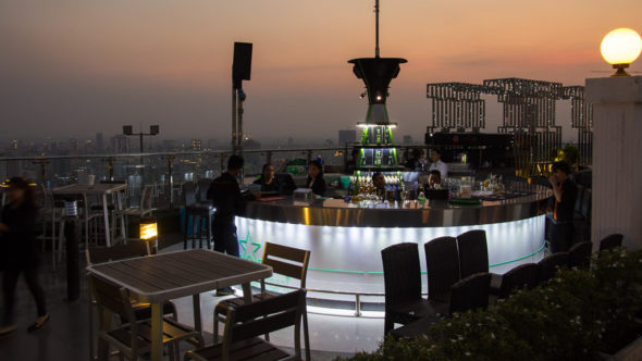 Prince Phnom Penh Tower: Eclipse Sky Bar
