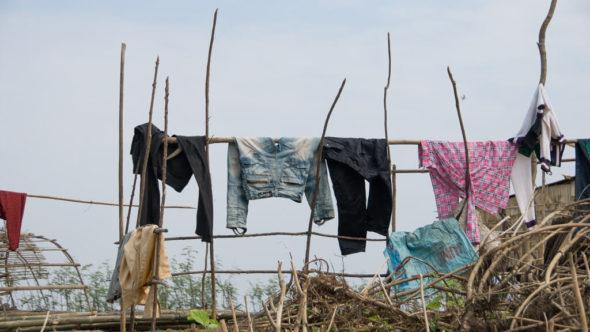 Wäsche am Sangker bei Battambang in Kambodscha