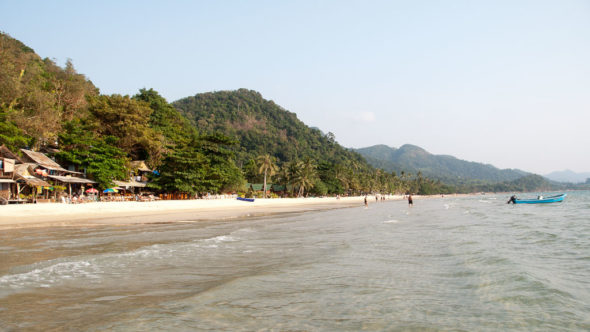 White Sand Beach auf Koh Chang in Thailand
