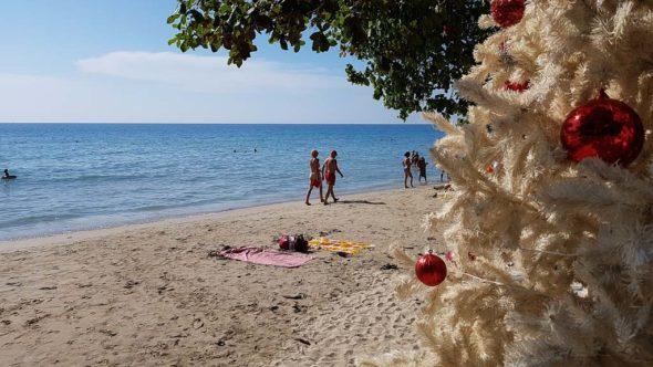 Am White Sand Beach auf Koh Chang wird auch Weihnachten gefeiert