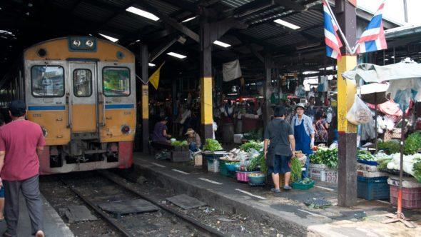 Maha Chai (Samut Sakhon) Railway Market