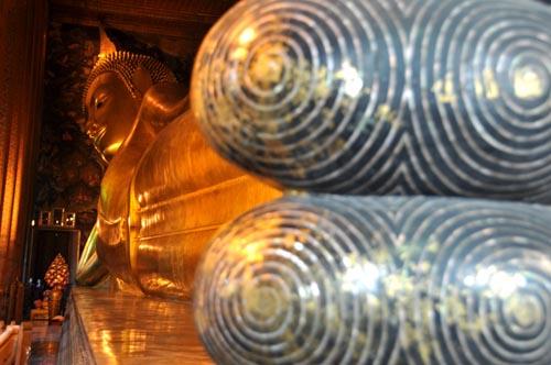 Bild: Liegender Buddha im Wat Pho in Bangkok