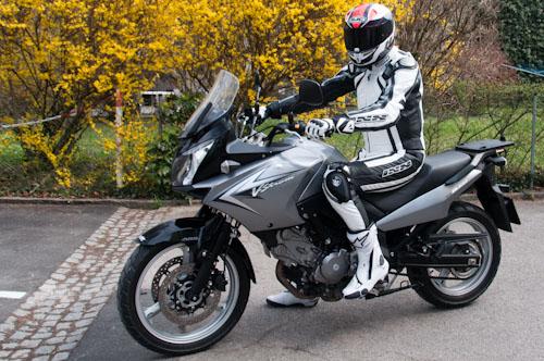 Bild: Suzuki V-Strom 650 Baujahr 2011 in grau