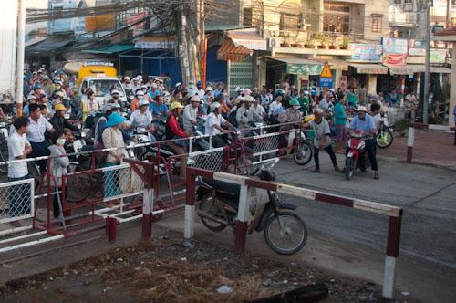 Bild: Bahnschranken in Ho-Chi-Minh-Stadt - Vietnam
