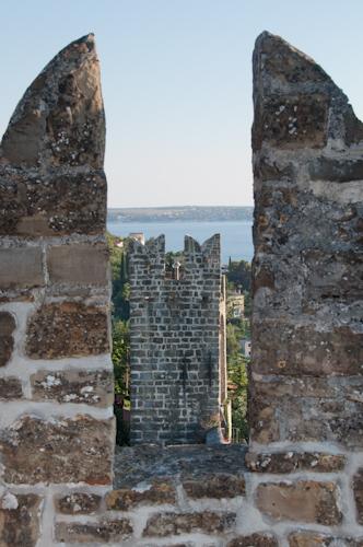 Bild: Stadtmauer in Piran