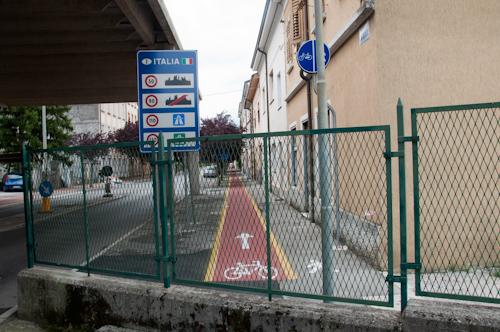 Bild: Grenze Slowenien - Italien in Gorizia/Nova Gorica