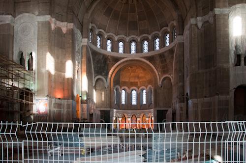 Bild: Baustelle in der Kathedrale des Heiligen Sawa