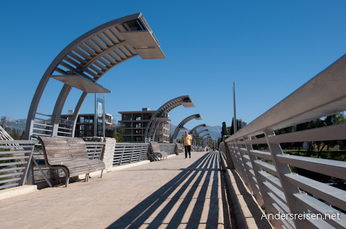 Bild: Moskau-Brücke in Podgorica