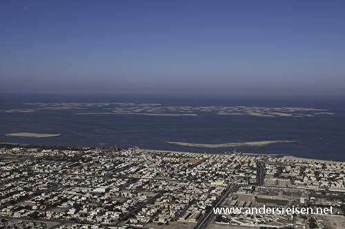 """Bild: Die Inselwelt """"The World"""" in Dubai ist bereits zum Teil vor der Küste aufgeschüttet"""