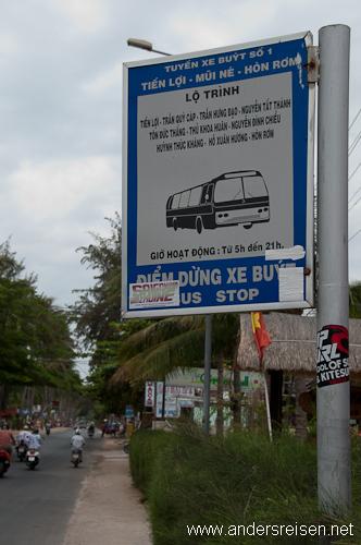 Bild: Bushaltestellen-Schild Linie 1