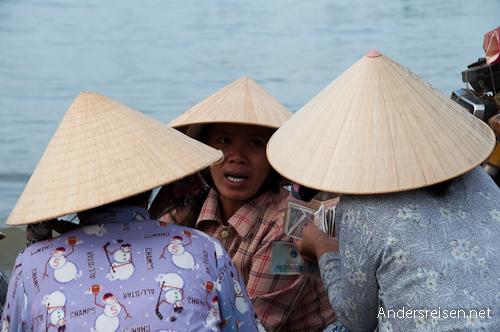 Bild: Fischer am Strand von Mui Ne - Vietnam