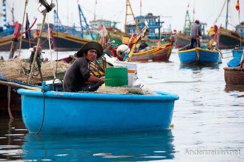 Bild: Rundes Fischerboot in Vietnam